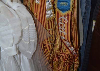 artículos de ropa de segunda mano de fallas